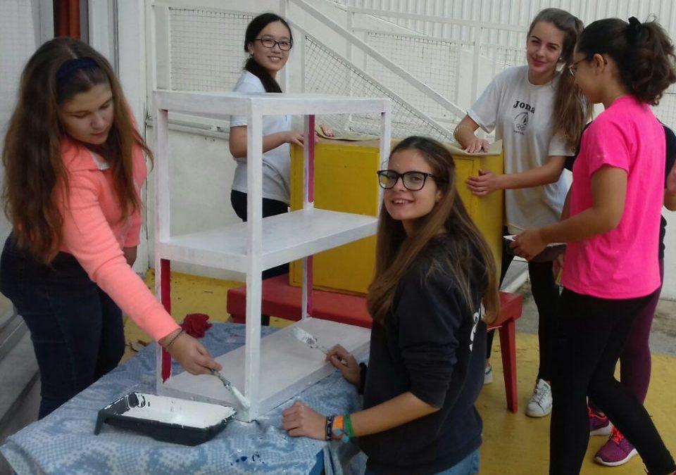 Alunos voluntários em Almada